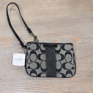 NEW with tags Coach signature C wristlet